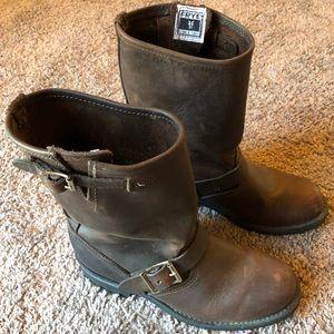 Frye Engineer Boots Women's Size 7 1/2